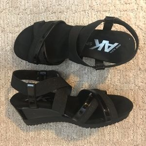 Comfy black wedge sandals